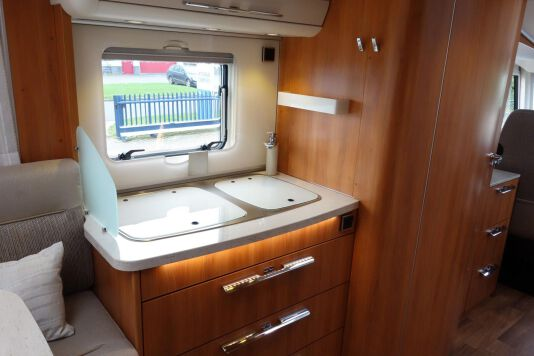 Hymer B 534 DL Duo mobil, AUTOMAAT, 180 pk Dynamic Line 32