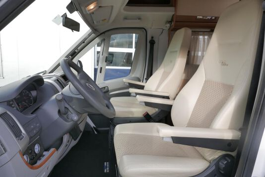 Hymer  T 654 SL Gold Edition  laag bed, incl. luchtvering 12