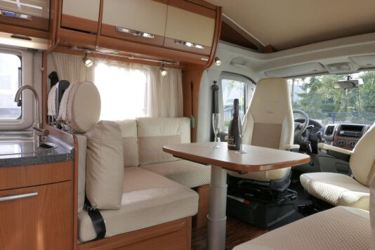 Hymer  T 654 SL Gold Edition  laag bed, incl. luchtvering 16
