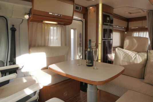 Hymer  T 654 SL Gold Edition  laag bed, incl. luchtvering 18