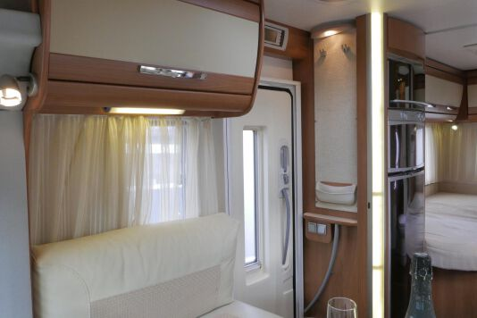 Hymer  T 654 SL Gold Edition  laag bed, incl. luchtvering 23