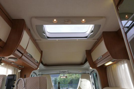Hymer  T 654 SL Gold Edition  laag bed, incl. luchtvering 34