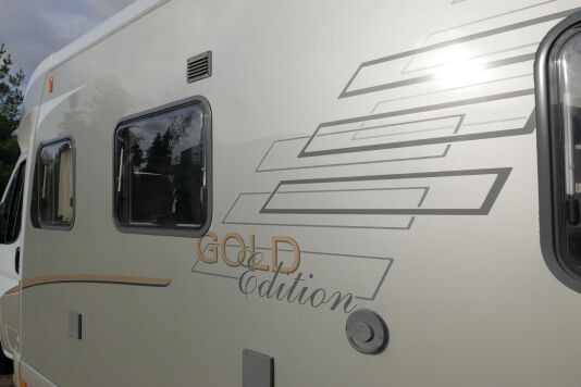 Hymer  T 654 SL Gold Edition  laag bed, incl. luchtvering 8