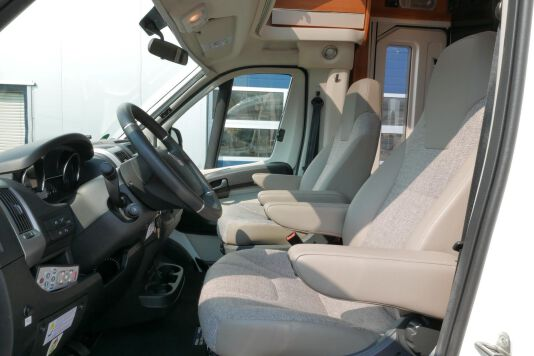 Hymer T 568 SL 3.0 177 pk AUTOMAAT, LEVELSYSTEEM, Maxi chassis 17