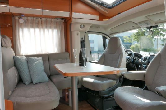 Hymer T 568 SL 3.0 177 pk AUTOMAAT, LEVELSYSTEEM, Maxi chassis 23