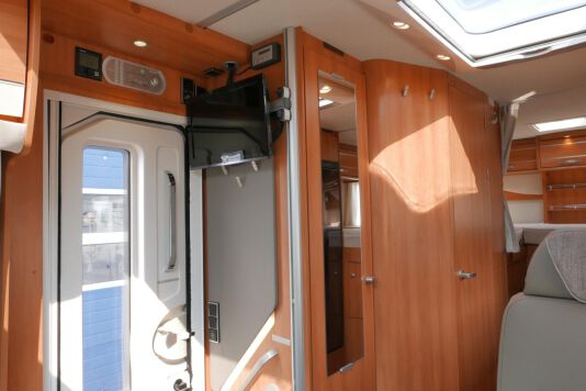 Hymer T 568 SL 3.0 177 pk AUTOMAAT, LEVELSYSTEEM, Maxi chassis 28
