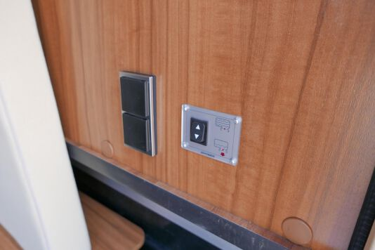 Hymer T 588 SL AL-KO chassis, AUTOMAAT, lengte bedden 11