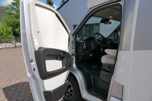 Hymer T 588 SL AL-KO chassis, AUTOMAAT, lengte bedden 16