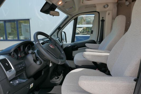 Hymer T 588 SL AL-KO chassis, AUTOMAAT, lengte bedden 17