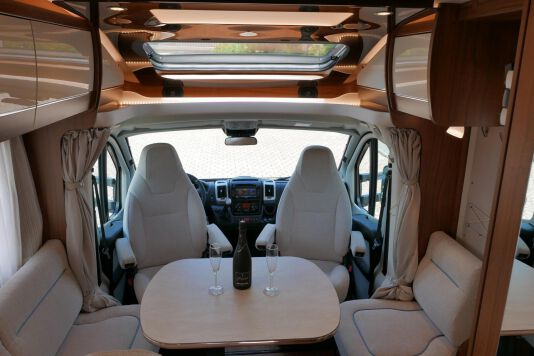 Hymer T 588 SL AL-KO chassis, AUTOMAAT, lengte bedden 22