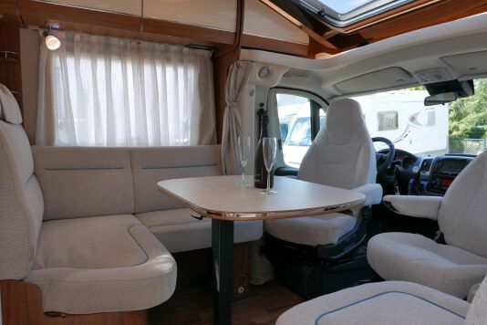Hymer T 588 SL AL-KO chassis, AUTOMAAT, lengte bedden 24