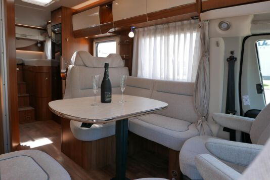 Hymer T 588 SL AL-KO chassis, AUTOMAAT, lengte bedden 25