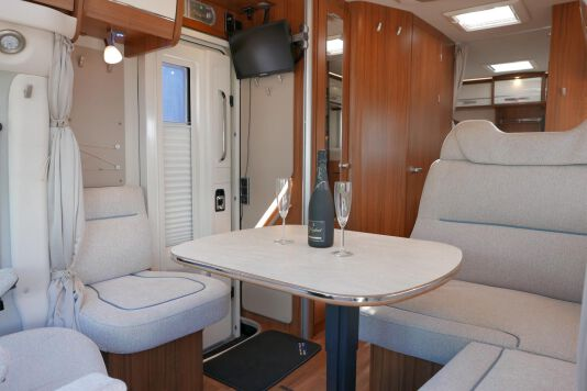 Hymer T 588 SL AL-KO chassis, AUTOMAAT, lengte bedden 26