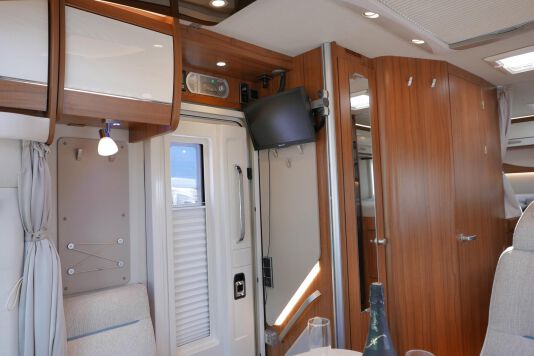 Hymer T 588 SL AL-KO chassis, AUTOMAAT, lengte bedden 28