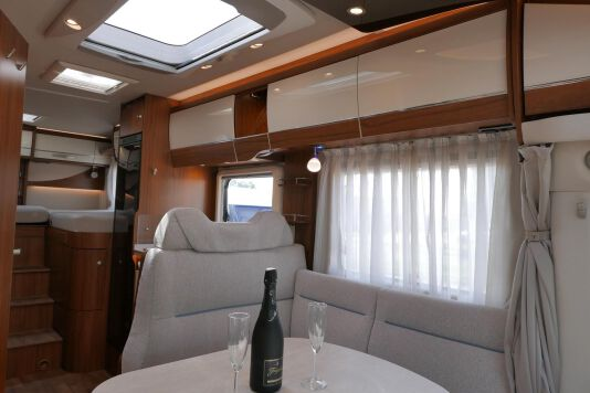 Hymer T 588 SL AL-KO chassis, AUTOMAAT, lengte bedden 29