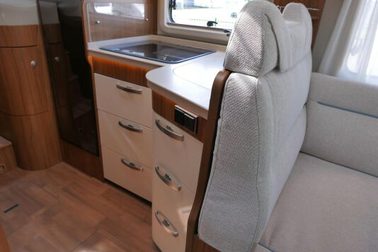 Hymer T 588 SL AL-KO chassis, AUTOMAAT, lengte bedden 31