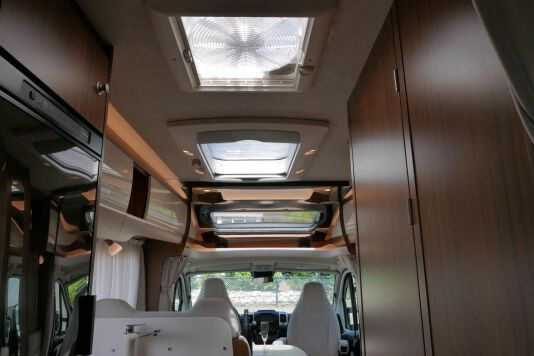 Hymer T 588 SL AL-KO chassis, AUTOMAAT, lengte bedden 39
