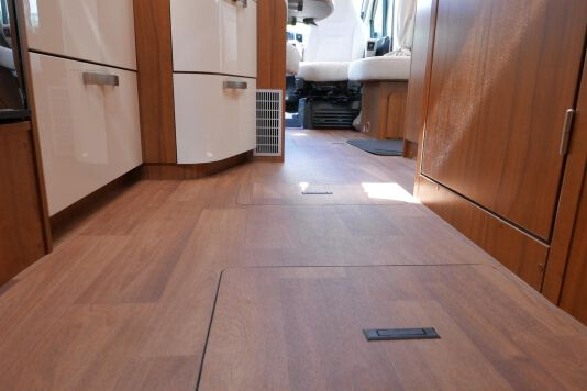 Hymer T 588 SL AL-KO chassis, AUTOMAAT, lengte bedden 42