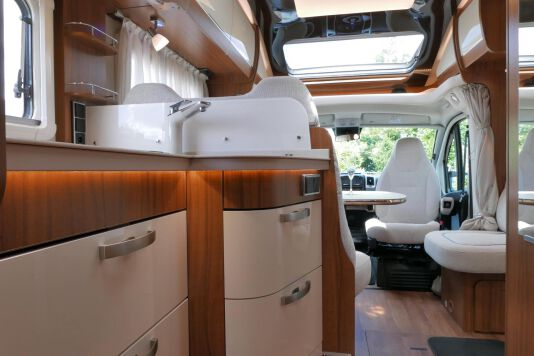 Hymer T 588 SL AL-KO chassis, AUTOMAAT, lengte bedden 45
