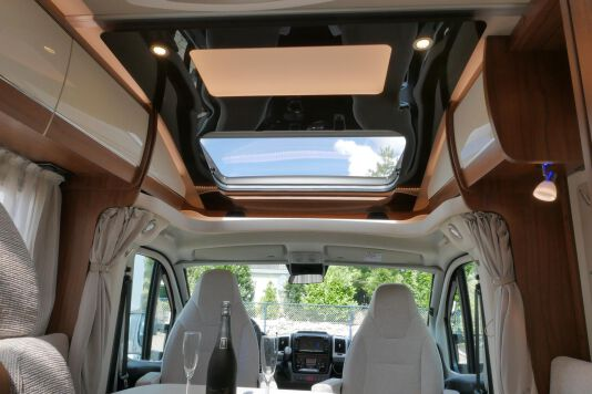 Hymer T 588 SL AL-KO chassis, AUTOMAAT, lengte bedden 46