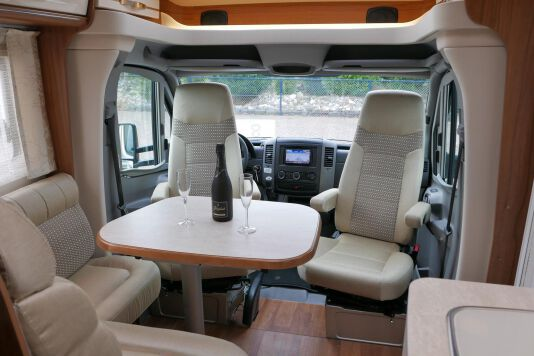 Hymer ML-T 580 7G AUTOMAAT, 4200 chassis, enkele bedden 18