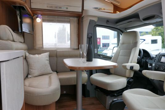 Hymer ML-T 580 7G AUTOMAAT, 4200 chassis, enkele bedden 19
