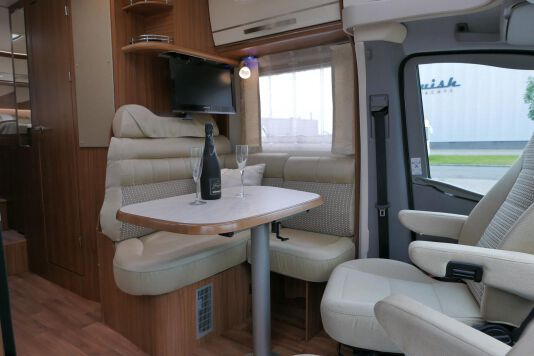 Hymer ML-T 580 7G AUTOMAAT, 4200 chassis, enkele bedden 20