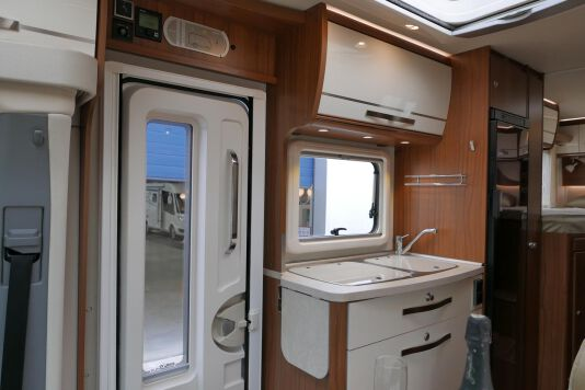 Hymer ML-T 580 7G AUTOMAAT, 4200 chassis, enkele bedden 23