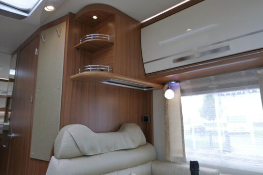 Hymer ML-T 580 7G AUTOMAAT, 4200 chassis, enkele bedden 25