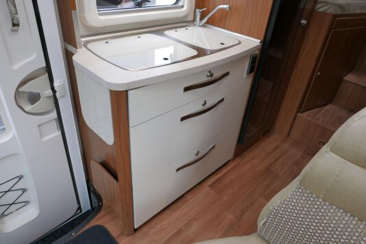 Hymer ML-T 580 7G AUTOMAAT, 4200 chassis, enkele bedden 26