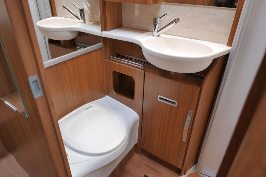 Hymer ML-T 580 7G AUTOMAAT, 4200 chassis, enkele bedden 33
